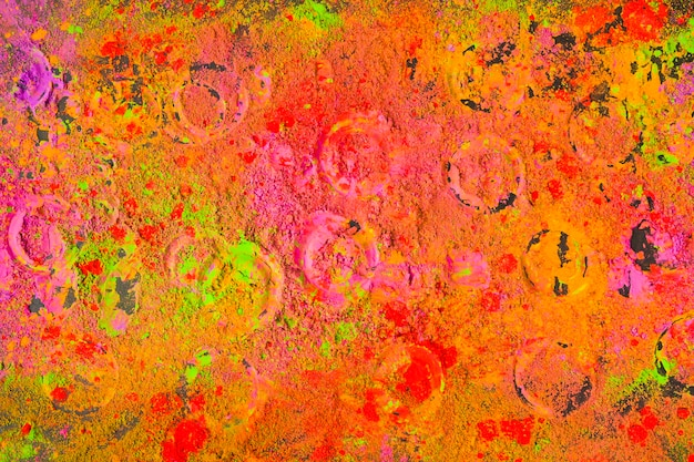 Круговые отпечатки на многоцветном порошке