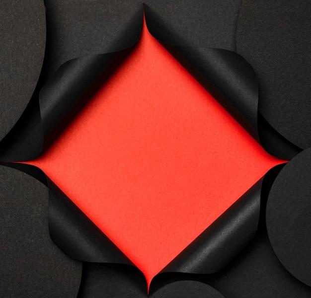 円形コピースペース背景と赤の切り欠き