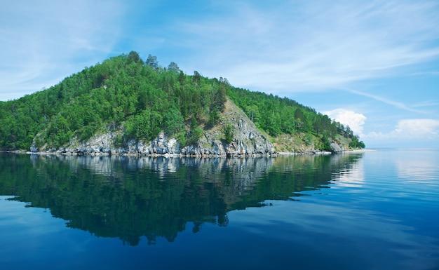 クルゴバイカリスカレイル。バイカル湖。