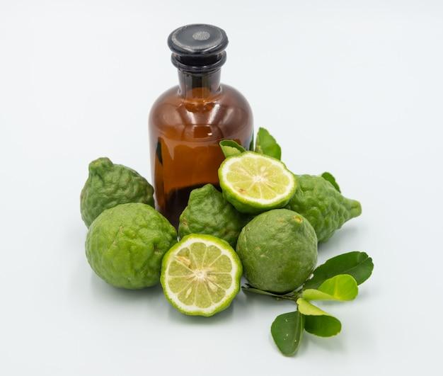 Бергамот, citrus hystrix, бергамот масло, масло для лечения волос на белом