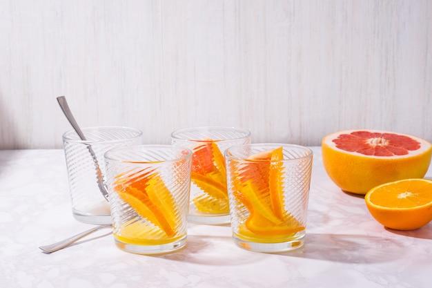 グレープフルーツと柑橘類のレモネード