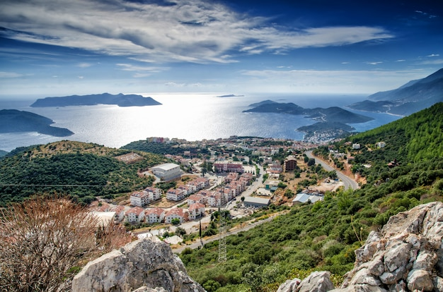 Город и порт каш на средиземноморском побережье турции
