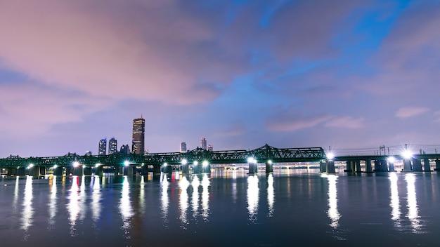 한국 서울의 도시와 철도 교량