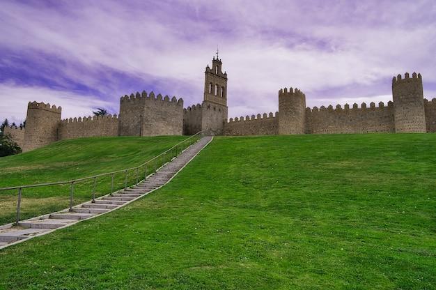 スペインの都市アビラ