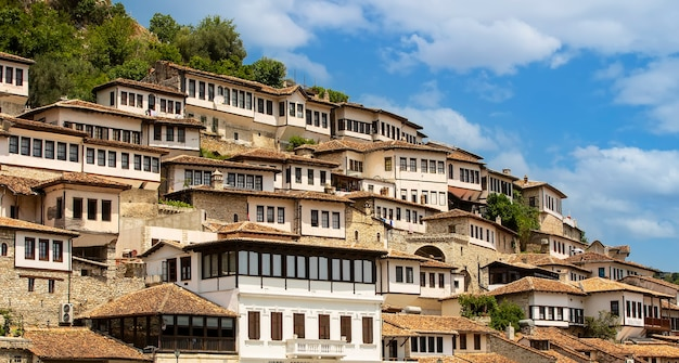 천 개의 창문이 있는 도시, 알바니아의 베라트, 유네스코 지정