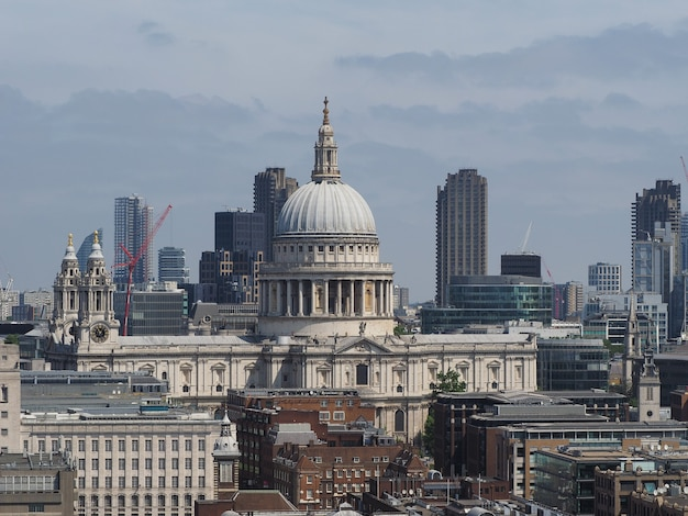런던 시와 세인트 폴 교회