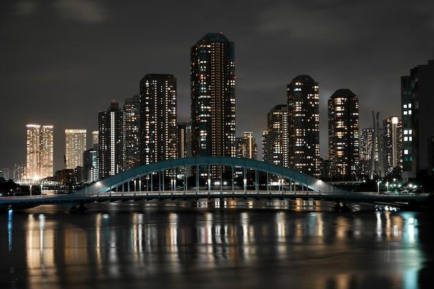 밤 거리에 빛의 도시 반짝임