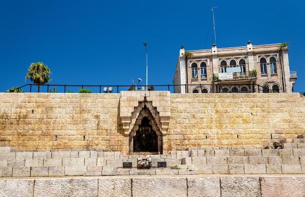 ダマスカス門のエルサレムの城壁-イスラエル