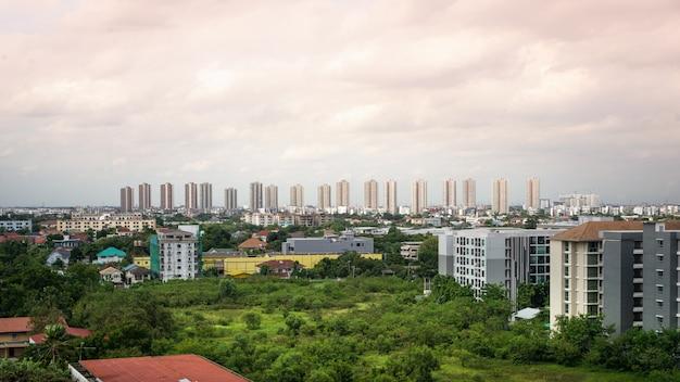 도시와 무앙 통 타니, 태국에서 건물.
