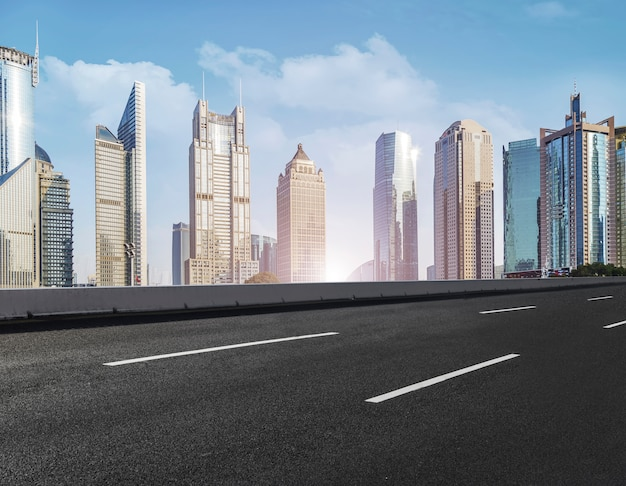 都市の高いコンクリートの都市の美しい表面