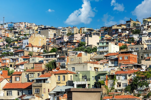 Городской пейзаж измира на эгейском побережье турции