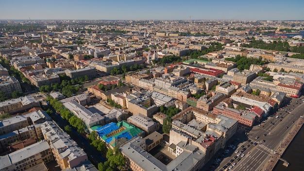 サンクトペテルブルク、ロシアの街並み。ヴァシリエフスキー島の航空写真