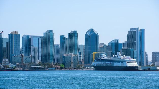 Paesaggio urbano del centro cittadino e del porto di mare di san diego