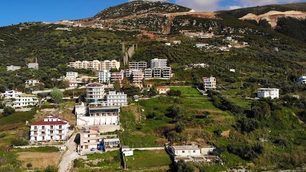 Vlore 도심의 kuzum baba 언덕 공중 도시보기 도시 파노라마에서 본 풍경