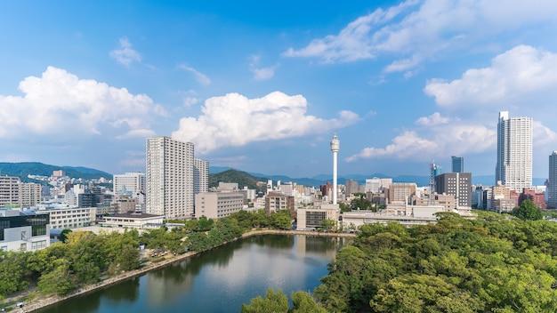 히로시마 성에서 바라보는 도시 풍경