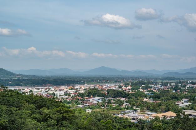 치앙칸 로이시 태국 푸창노이 전망대에 있는 치앙칸 지구의 도시 풍경.치앙칸은 구시가지이며 태국 관광객에게 매우 인기 있는 목적지