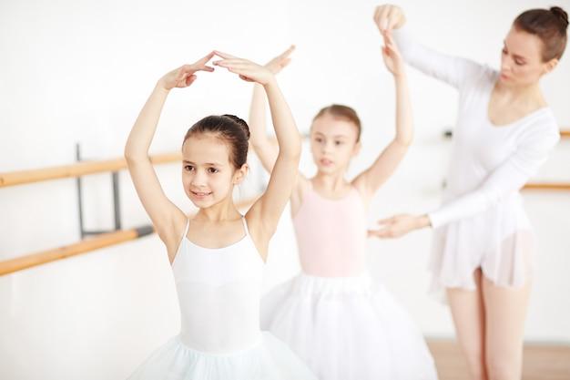 Class of ballet dancing