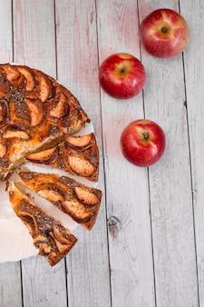 Classic american apple pie sliced fruits garnish decoration autumn seasonal sweet bakery
