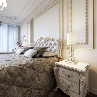 Классическая кровать с прикроватными тумбочками и ночниками в стиле спальни ар-деко. 3d-рендеринг.