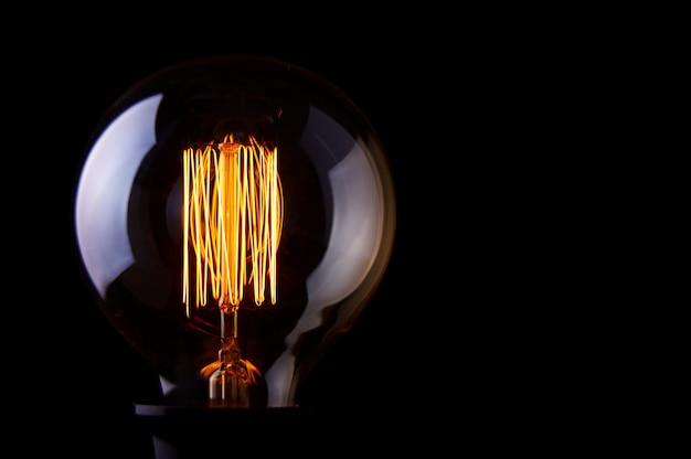 Классическая лампочка эдисона