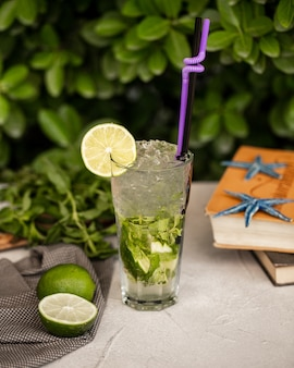 Classic mojito with ice and lime