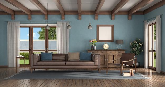 モダンなアームチェア、革張りのソファ、古いサイドボードを備えたクラシックなスタイルのリビングルーム