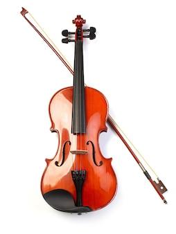 클래식 바이올린과 활 흰색 절연