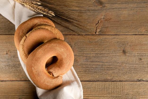 フレッセルと呼ばれる古典的なプーリアの乾燥パン
