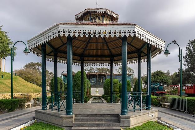Классический стенд в парке