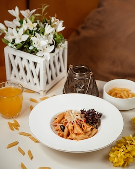 Classical tomato pasta with olives