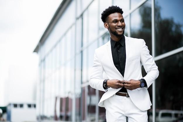 Classy modern suit black using stylish