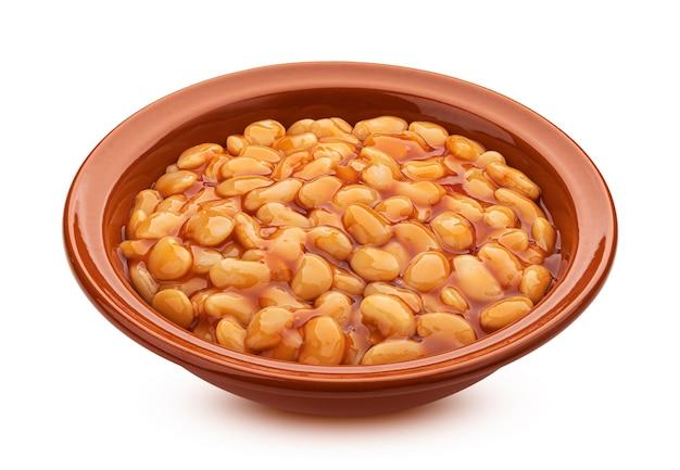 클리핑 경로, 전통적인 그루지야 어 lobio와 흰색 배경에 고립 토마토 소스에 구운 콩의 점토 그릇
