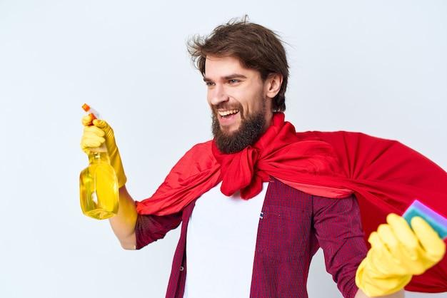 Уборщик красный плащ чистка гигиена профессиональный образ жизни