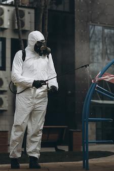 町での清掃と消毒