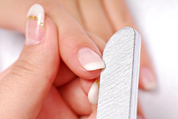 손톱 청소