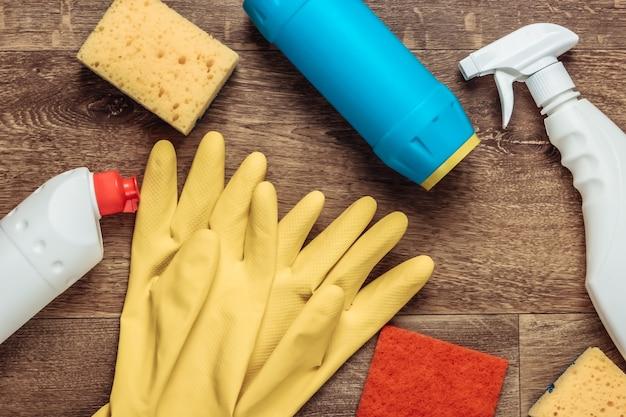 床の掃除用品。上面図。フラットレイ