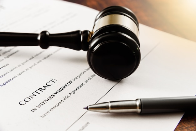 Client sue company in court for not signing a contract