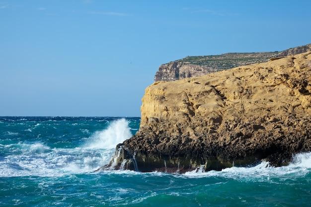 몰타 섬의 절벽
