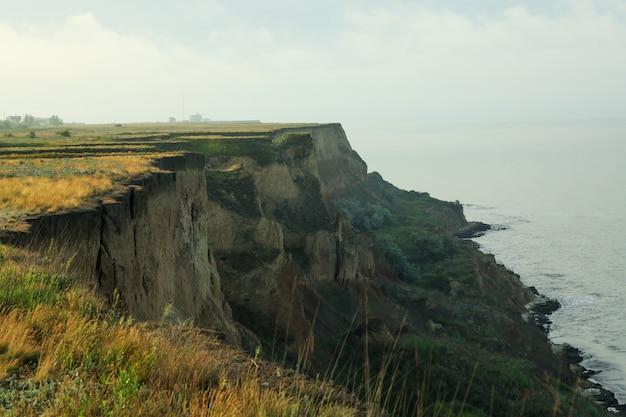 崖。黒海沿いの風光明媚な自然