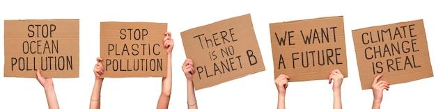 기후 변화 항의 신호. 골판지 포스터에 비문. 흰색으로 격리. 세트.