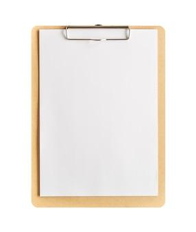 Буфер обмена с чистым листом бумаги, изолированные на белом фоне с обтравочным контуром