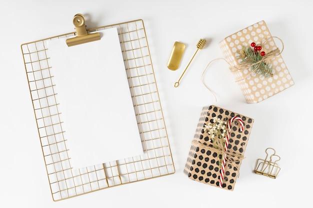 クリップボード、クリスマス、ギフト、ボックス、テーブル