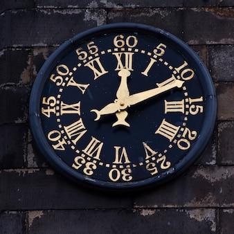 Часы в эдимбурге, королевская миля, полезные для икон