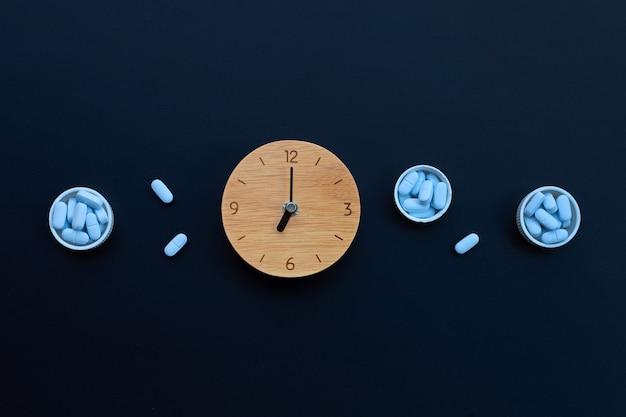 Часы с «prep» (предэкспозиционная профилактика). используется для предотвращения вич в темноте. копировать пространство