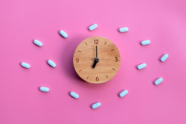 「prep」(暴露前予防)を備えた時計。 hivを予防するために使用されます。