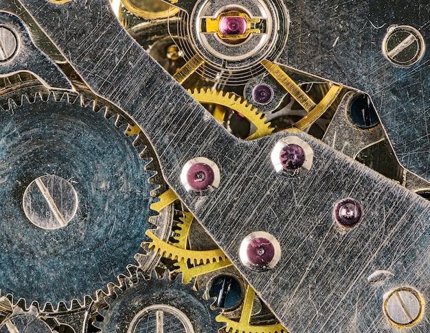 오래 된 시계 주머니의 시계 배경 기어와 시계 메커니즘입니다. 평면도.
