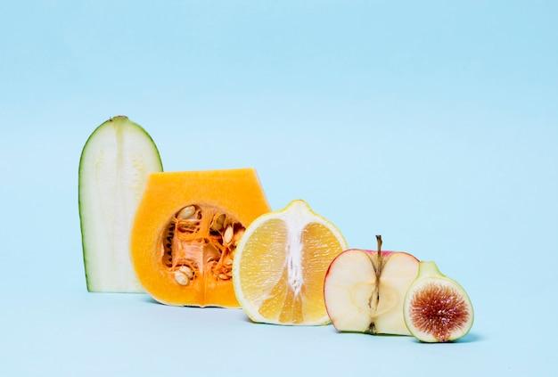 果物と野菜のクローズアップの品揃え