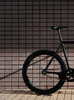 屋外で自転車をクローズアップ