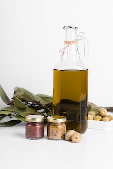 Close-up bottiglia di olio biologico