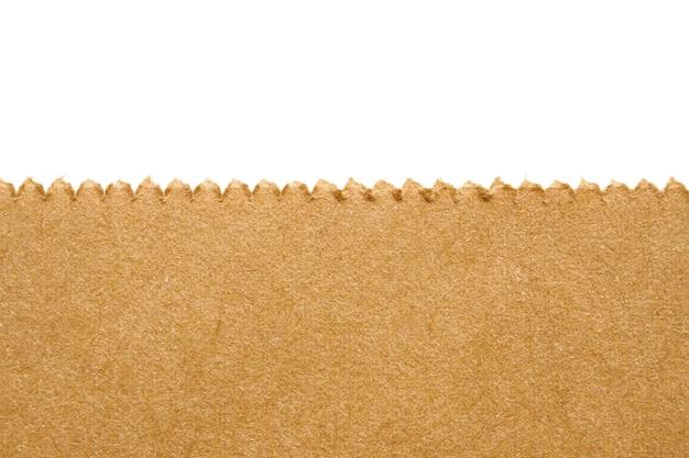 흰색 배경에 고립 된 갈색 종이 봉지 질감을 닫습니다